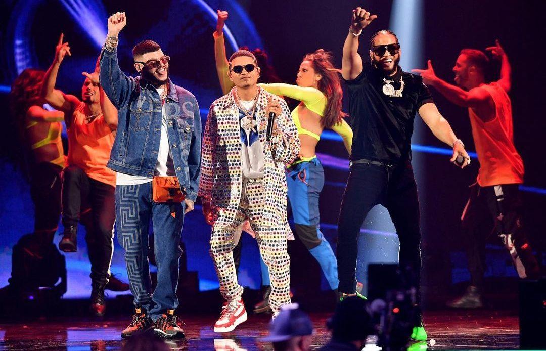 Los dominicanos brillan en Premios Juventud 2021